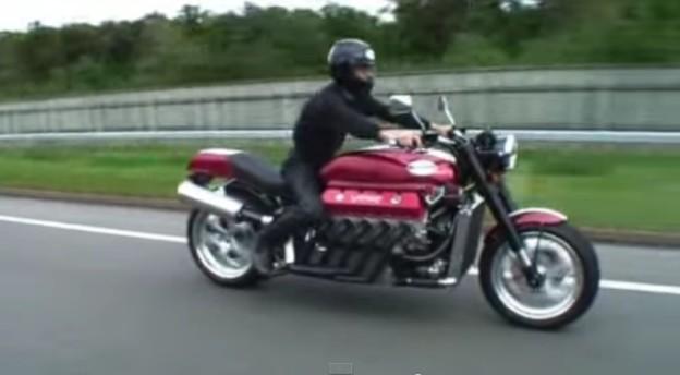 Motorka s motorem z Viperu
