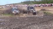 Husté závody traktorů – Russian Flying Tractor Racing