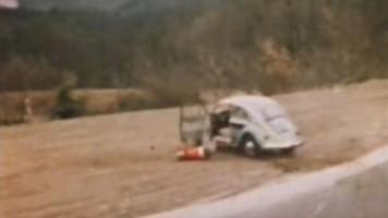 Při bouračkách na Nürburgringu vypadávali řidiči z aut
