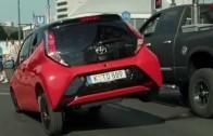 Cool reklama – Toyota Aygo čůrá jako pejsek