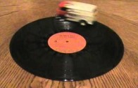 Hit 70. let! VW Bus přehrává vynilové desky – soundwagen