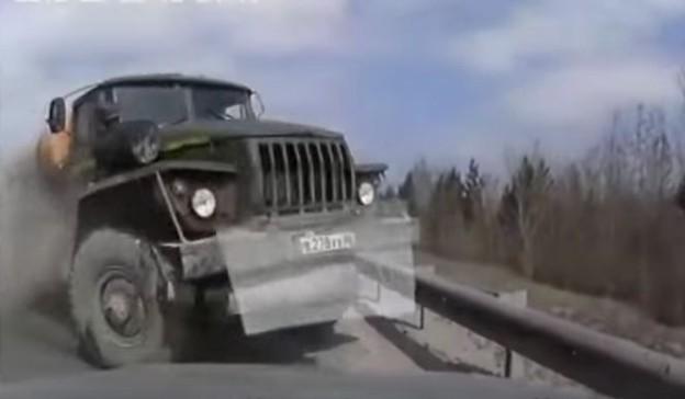 Nehody náklaďáků mívají vážné následky