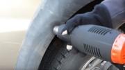 Jak oživit plasty na autě horkovzdušnou pistolí