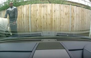 Další idiot poškrábal auto