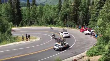 Srážka cyklisty a doprovodného auta