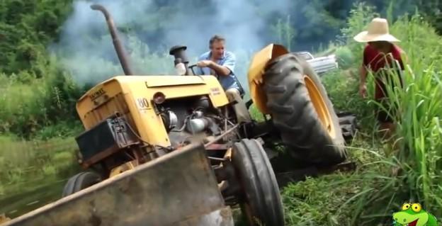 bouračky traktorů