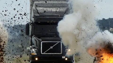 Totálně zničit a za 24 hodin opravit – Volvo dostane zabrat