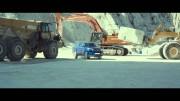 Toyota Hilux zachraňuje v nové reklamě balón před bouřkou