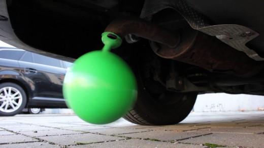Měření emisí šťávou z červeného zelí