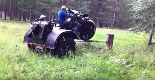 V Rusku mají tříkolku velkou jako náklaďák