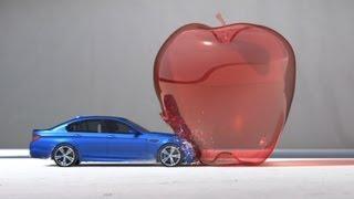 BMW M5 jako projektil – krásná reklama