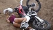 Kotrmelce a pády – motorka jako sebevražedná zbraň