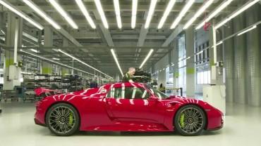 Jak se vyrábí Porsche 918 Spyder – hlavně klídek